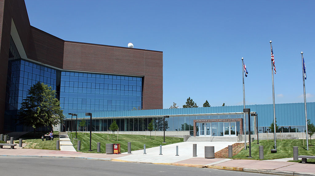 The contemporary Arapahoe County Courthouse in Dove Valley. Photo from Wikipedia